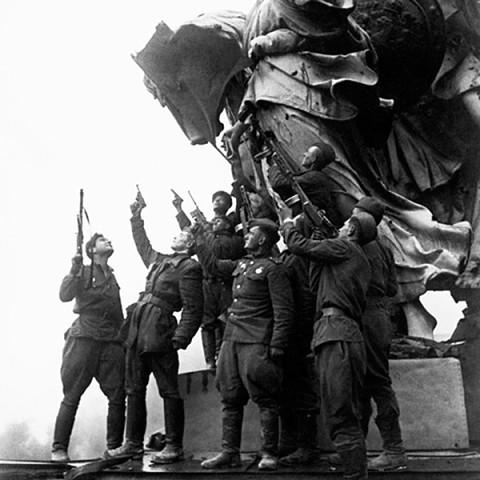 Картинки по запросу знамя победы фото